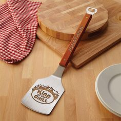 Need a unique gift? Send King Of The Grill Sportula and other personalized gifts at Personal Creations. Housewarming Gifts For Men, Personalized Gifts For Dad, Housewarming Party, Hostess Gifts, Best Christmas Gifts, Best Gifts, Christmas Ideas, Best Barbecue Grills, Unique Gifts For Men