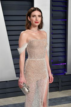 Emma Roberts attends the 2019 Vanity Fair Oscar Party hosted by Radhika Jones at Wallis Annenberg Center for the Performing Arts on February 2019 in Beverly Hills, California. Glam Dresses, Red Carpet Dresses, Elegant Dresses, Beautiful Dresses, Fashion Dresses, Formal Dresses, Wedding Dresses, Party Dresses, French Wedding Dress