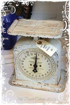 Pretty white vintage scale