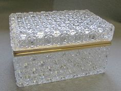 Kristallglas Schmuckdose goldfarbend Metalleinf.Josephinenhütte, Modell Ernestin