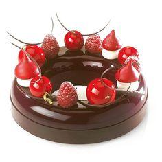 «Forêt Noire chocolat/framboise pour les classes 2016. #share #pastryteam…