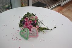 Brautstrauß in rosa und hellgrün; bridal bouquet in green and rosé; Heiraten in Bayern; Hochzeit in Garmisch-Partenkirchen, Riessersee Hotel Resort