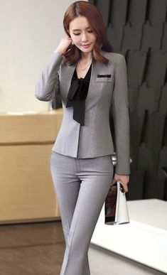 36 Inspiring Fall Business Suits Ideas For Women - Business Attire Stylish Work Outfits, Office Outfits, Classy Outfits, Office Attire, Office Dresses, Formal Business Attire, Corporate Attire, Business Suits For Women, Business Casual
