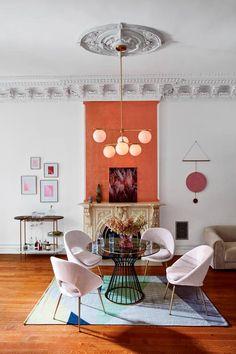 Apricot oder Korrale pber dem Kamin www.meinewand.de  #design #farben #britisch #englisch #wohnzimmer