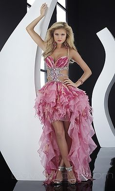 What a cute prom dress. My dad would DEFINITELY let me out of the house in this one....