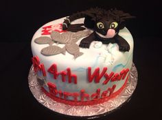This is how the TN Cake Fairy trains a dragon