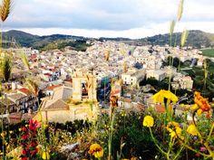 Tutto a colori. Licodia Eubea, Sicily.