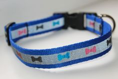 Handmade collars for your beautiful dogs, made of thick black strap, 20 mm width, with unique applications. Closure with plastic trident and D ring of thick metal. The maximum adjustable length is 44 cm.