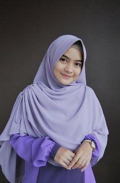 Hijab Style Dress, Hijab Cartoon, Face Veil, Hijabi Girl, Ootd Hijab, Beautiful Hijab, Pashmina Scarf, Hijabs, Indian Designer Wear