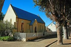 WILLOMORE ....Groot Karoo South Africa, Cabin, House Styles, Home Decor, Decoration Home, Room Decor, Cottage, Interior Decorating, Cottages