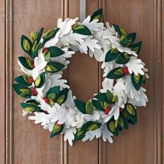 Holiday Felt Wreaths – Winter Leaf