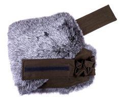 Ledvinový pás z králičiny - zahřeje perfektně vaše bedra. #spongr  #kuzedeluxe #kralicina #pravakozesina Winter Hats, Fashion, Moda, Fashion Styles, Fasion