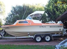 Boats for Sale in Australia Classic Boats For Sale, Hunter Boats, Cabin Cruiser, Vintage Boats, Motor Yacht, Water Crafts, Swift, Craft Ideas, Australia