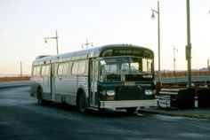 Metropolitan Transportation Authority, Bus City, Buses And Trains, New York Subway, Bus Coach, Vintage New York, Busses, Staten Island, Amazing Cars