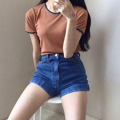 Korea fashion, asian fashion, estilo fashion, girl fashion, fashion looks. Teenager Fashion Trends, Korean Fashion Trends, Asian Fashion, Look Fashion, Girl Fashion, Fashion Outfits, Skater Fashion, Girl Outfits, Korean Fashion Shorts