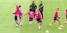 Cristiano Ronaldo ośmieszył swojego kolegę z Realu Madryt • Niesamowita siatka piłkarska Cr 7 w trakcie dziadka • Zobacz film >> #real #realmadrid #football #soccer #sports #pilkanozna