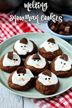Chocolaty Melting Snowman Cookies #christmascookies Best Christmas Cookies, Christmas Foods, Christmas Treats, Christmas Recipes, Toffee Bars, Baked Doughnuts, Best Cookie Recipes, Baking Supplies, Dessert Recipes