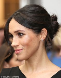 What Meghan Wore – Your authentic site for What Meghan Wore and much more: the original WMW site & part of the What Kate Wore family, covering Meghan's clothes, accessories and charities.