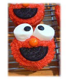 Elmo cupcakes for kids party