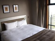 Auckland Metro Suites Apartment Hotel New Zealand, Pacific Ocean and Australia Set in a prime location of Auckland, Metro Suites Apartment Hotel puts everything the city has to offer just outside your doorstep. Offering a variety of facilities and services, the hotel provides all you need for a good night's sleep. All the necessary facilities, including luggage storage, car park, elevator, safety deposit boxes, shops, are at hand. Television LCD/plasma screen, non smoking room...