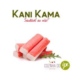 """O Kani Kama é saudável? ❌NÃO!!! Vamos aos fatos... Na embalagem consta: """"bastonetes de surimi congelados com sabor imitação carne de caranguejo"""". Mas o que é o surimi? Surimi é um composto de peixes (basicamente merluza) que, segundo historiadores, é produzido pelos japoneses há milhares de anos, onde a carne dos músculos é triturada, peneirada e lavada para eliminar a pele, as escamas e as espinhas. Ao final desse processo, tem-se uma pasta de tproteínas de peixe sem sabor, sem cheiro e sem…"""