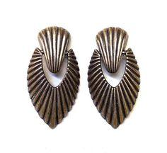 Vintage door knocker earrings, offered by Arabella Bianco Door Knockers, Great Gifts, Earrings, Accessories, Vintage, Jewelry, Ear Rings, Stud Earrings, Jewlery