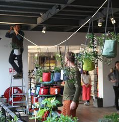 BACSAC® en pleine installation chez Merci Paris ! #bacsac #deco #nature #mercishop #printemps