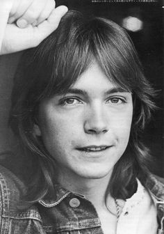 David Cassidy is a retired actor, singer, songwriter. He is widely known for his role as Keith Partridge in the musical-sitcom The Partridge Family, David Cassidy, Laughing Face, Shirley Jones, Partridge Family, Billboard Hot 100, Cute Actors, Beautiful Soul, Gorgeous Guys, Vintage Hollywood