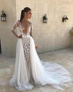 Have you ever seen so many beautiful wedding dresses in one place? Here are the best bridal dresses from top most popular wedding dress designers USA. Look at these most beautiful wedding dresses of all time! Popular Wedding Dresses, Bohemian Wedding Dresses, Sexy Wedding Dresses, Colored Wedding Dresses, Wedding Bridesmaid Dresses, Sexy Dresses, Bridal Dresses, Vintage Dresses, Vintage Lace