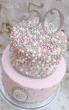 Pretty pink cake and cupcakes - Pink Birthday Cake Ideen Pretty Cakes, Cute Cakes, Beautiful Cakes, Sweet 16 Cakes, Amazing Cakes, Bling Cakes, Fancy Cakes, Fondant Cakes, Cupcake Cakes