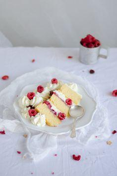 mascarpone and raspberry almond cake