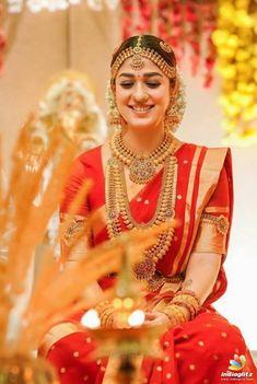 South Indian Wedding Saree, Indian Bridal Sarees, Indian Bridal Outfits, Indian Bridal Fashion, Pattu Sarees Wedding, Tamil Wedding, South Indian Sarees, Wedding Saree Blouse Designs, Pattu Saree Blouse Designs