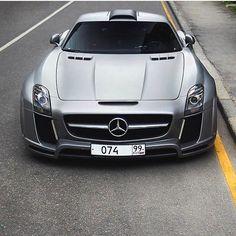 Fab SLS 😍🙏🏼💦 📸: @alexzbor1k || @sf_media | @bmw_world_ua | @cars_in_zurich | @fastnexotic | @carfanaticsmagazine || #Speedfanatics #Itswhitenoise #Mercedes #Benz #SLS #AMG #Fab