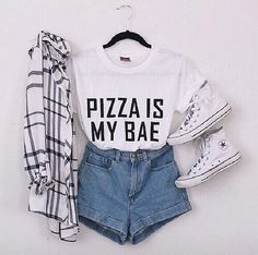 Where to Get the Best Flannel Shirts Blouses and Tops womans flannel shirts Teenage Outfits, Teen Fashion Outfits, Mode Outfits, Cute Fashion, Trendy Outfits, Girl Outfits, My Fashion, Fall Fashion, Hipster Fashion