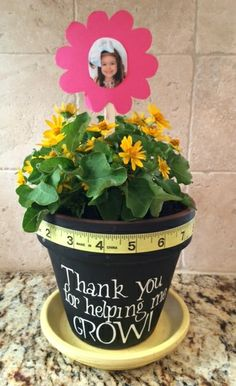 Teacher thank you gift. a pot plant - something to take care of Thank You Teacher Gifts, Teacher Christmas Gifts, Teacher Appreciation Gifts, Valentine Gifts, Personalized Mother's Day Gifts, Diy Gifts, Cheap Mothers Day Gifts, Mothers Day Gifts From Daughter, Preschool Teacher Gifts