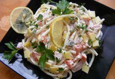 10 olcsó tésztasaláta tejfölös öntettel | nosalty.hu Ketchup, Pasta Salad, Potato Salad, Cabbage, Potatoes, Vegetables, Ethnic Recipes, Food, Crab Pasta Salad