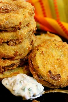 The Best Fried Green Tomatoes recipe with Garlic, #Bacon and Buttermilk Sauce