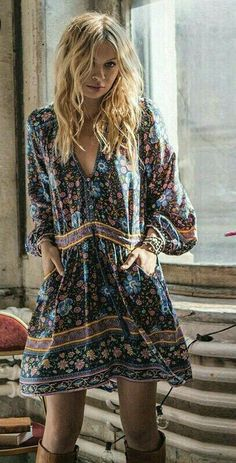 Magical Fashion Ideas # boho Fashion 23 Essential Outfit Trends To Update You Wardrobe This Winter - Luxe Fashion New Trends - Fashion Ideas Moda Hippie, Hippie Mode, Boho Mode, Hippie Style Clothing, Gypsy Style, Bohemian Style, Boho Chic, Hippie Chic Fashion, Hippie Bohemian