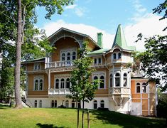 Kalliolinnantie 7 - Snickarglädje – Wikipedia