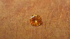 Orange Sapphire 0.25ct / Madagascar_