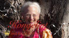 BILLED-BLADET Play – Danmarks Royale TV | Dronningen indviede sin Årstidshave   Det var en stor glæde for dronningen at indvie sin flotte Årstidshave på Fredensborg slot. Haven, der er en 75-års fødselsdagsgave fra regeringen, folketinget og en lang række bidragsydere, er en del af dronningens private have, og forleden inviterede hun gavens givere på rundtur for at se de flot anlagte staudebede.