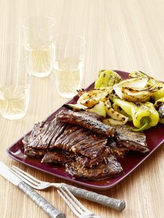 Grilled Korean-Style Skirt Steak Marinating the skirt steak overnight in a sweet and savory combo of sesame, garlic, cola and soy sauce packs it full of flavor. Grill it simply with onions and peppers for one easy, tasty dish.