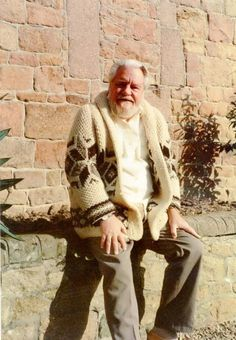 Gerald Durrell - the friend of all animals. He spent all his life in the company of wild animals and insects. He was an English naturalist, writer, founder