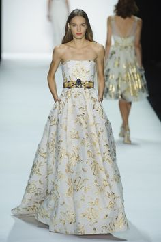 High-waisted ball gown with gold floral embroidery by Badgley Mischka @ New York Fashion Week Spring Summer '16 #fashionweek #badgleymischka #rendezvousdelamode #couture #evening #ballgown #gold #embroidery #halter #highwaist