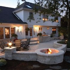 Comfy Backyard Patio Design Ideas You can make your property a great deal more specific with backyard patio designs. You are able to turn your backyard in to a state like your dreams. You will not have any trouble now with backyard patio ideas. Raised Patio, Small Backyard Patio, Backyard Patio Designs, Back Patio, Backyard Landscaping, Patio Ideas, Paved Backyard Ideas, Landscaping Ideas, Stone Patio Designs