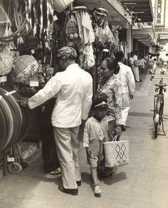 Winkelstraat in Bandung, Java, Indonesië (1933)
