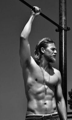 Charlie Hunnam as Jax Teller - Sons of Anarchy. And this is why I have been watching for years! The New Christian Grey Ladies! Karl Urban, Sons Of Anarchy, Joe Manganiello, Pretty People, Beautiful People, Beautiful Boys, Avan Jogia, Jax Teller, Le Male