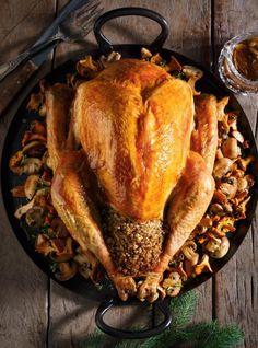 Ricardo& recipe: Pork and Mushroom Stuffed Turkey Whole Food Recipes, Great Recipes, Cooking Recipes, Healthy Recipes, Ricardo Recipe, Dining Buffet, Best Comfort Food, Xmas Food, Stuffed Mushrooms