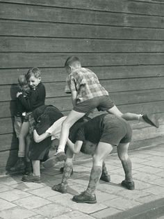 Super photography noir et blanc objet 57 ideas Best Memories, Childhood Memories, Vintage Photographs, Vintage Photos, Kids Photography Boys, World Photo, The Old Days, Old Pictures, Vintage Children