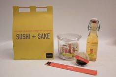 This has a clean overall look which I enjoy. However, the actual sushi packaging doesn't seen to work to well. The roll seems like it would fall apart instead of staying together in a neat shape.